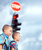 Auf dem Weg zur Schule Lizenzfreies Stockbild