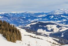 Auf den Steigungen des Skiorts Brixen im Thalef Tirol Lizenzfreie Stockfotografie