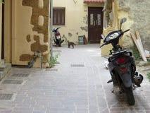 Auf den Straßen in der alten Stadt von Chania Stockfoto