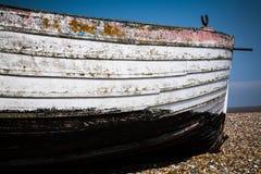 Auf den Strand gesetztes Boot bei Southwold Stockfotografie