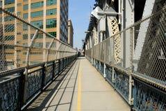 Auf der Manhattan-Brücke Lizenzfreie Stockfotografie