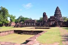 Auf der Straße zu Angkor: Phimai-Tempel - Thailand lizenzfreie stockfotos