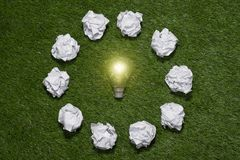 Auf der Suche nach großartiger Idee Kreatives Ideen-Konzept Lizenzfreie Stockfotos