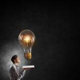 Auf der Suche nach heller Inspiration Lizenzfreies Stockfoto