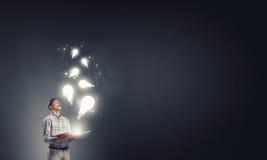 Auf der Suche nach heller Inspiration Lizenzfreie Stockfotos