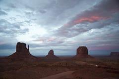Auf die Straße des Monument-Tales antreiben, USA Stockbild