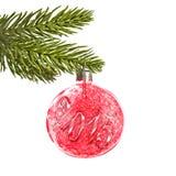 2015 auf einem roten Weihnachtsball Lizenzfreie Stockbilder