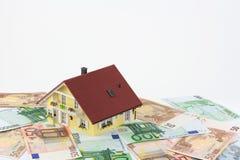 Auf Euronoten de Haus Fotos de archivo