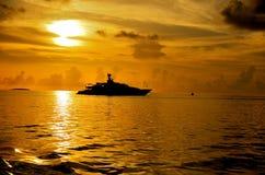 Auf goldenen Meeren Stockfoto