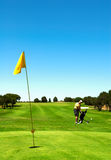 Auf Golffeld lizenzfreie stockfotos