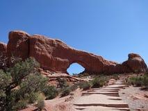 Auf lagerfoto der roten Felsen-Anordnung, Bogen-Nationalpark Lizenzfreie Stockfotos