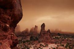 Auf lagerfoto der roten Felsen-Anordnung, Bogen-Nationalpark lizenzfreies stockfoto