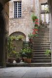 Auf lagerPotograph eines Eingangs in Rom lizenzfreie stockfotos
