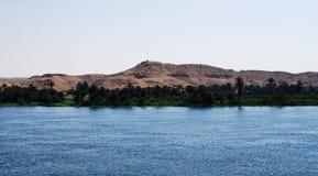 Auf Nile River kreuzen, die Landschaft, Süd-Ägypten lizenzfreies stockbild