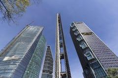 Auf Reforma-Allee die höchsten Gebäude von Mexiko City lizenzfreie stockfotografie