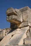 Auf Segelstellung gefahrene Schlange bei Chichen Itza Stockbild