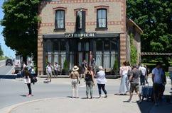 Auf Standortschmierfilmbildung am Café tropisch ein fiktives Restaurant gekennzeichnet in Schitt-` s Nebenfluss stockfoto