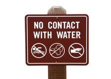 Auf weißem Zeichen keinen Kontakt mit Wasser lokalisiert Stockbild