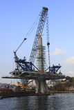 Aufbau der Metrobrücke stockbild