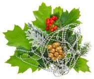 Aufbau des neuen Jahres mit Ilex, Tanne, Beeren lizenzfreie stockfotos