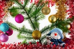 Aufbau des neuen Jahres mit Schneeball lizenzfreies stockfoto