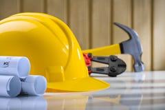 Aufbau des Sturzhelms blueprints Hammer und Scherblock lizenzfreies stockbild