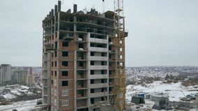 Aufbau einer Wohnanlage Aufbau von Wohnbu Bau von den Häusern gemacht von den Ziegelsteinen stock video