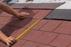 Aufbau eines Dachs Lizenzfreie Stockbilder