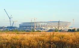 Aufbau eines Fußballstadions in Lviv Ukraine Stockbild
