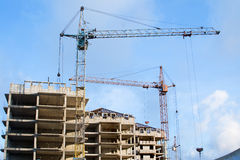 Aufbau eines neuen hoch gelegenen Gebäudes Stockfotos