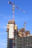 Aufbau eines Wolkenkratzers Stockbilder