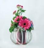Aufbau mit Blumen Stockbilder