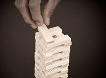 Aufbauen eines Block-Kontrollturm-Spiels Stockfotos