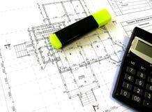 Aufbauzeichnungen, felt-tip Feder und Rechner lizenzfreies stockfoto
