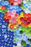 Aufbereitete Plastikflaschenkapseln Lizenzfreies Stockbild