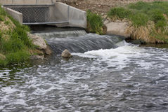 Aufbereitetes und gesäubertes Abwasser Stockfoto