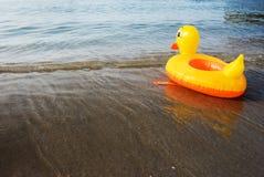 Aufblasbare Ente stockfotografie