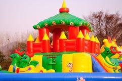 Aufblasbarer Spielplatz Lizenzfreie Stockfotografie