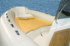 Aufblasbares Boot lizenzfreie stockbilder