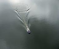 Aufblasbares Boot mit dem Motor Lizenzfreies Stockbild