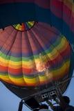 Aufblasen des Heißluftballons Lizenzfreie Stockfotos