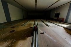 Aufgegebene Bowlingbahn - verlassenes Veteranen-Krankenhaus - Cleveland, Ohio stockfoto