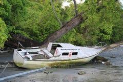 Aufgegebene Yacht Stockbild
