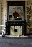 Aufgegebener Kamin - verlassenes Gundry-Sanatorium - Baltimore, Maryland stockfoto