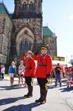 Aufgelöster Stoff des Kanada-Tag RCMP lizenzfreie stockfotos