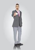 Aufgeregter Geschäftsmann, der Visitenkarte zeigt Lizenzfreies Stockfoto