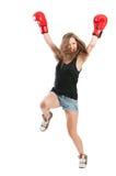Aufgeregtes weibliches Boxerspringen Stockfoto