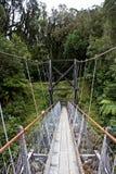 Aufhebung-Brücke über Fluss lizenzfreies stockbild