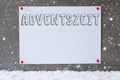 Aufkleber auf Zement-Wand, Schneeflocken, Adventszeit bedeutet Advent Season Stockfotografie