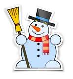 Aufkleber des lächelnden Schneemanns im Spitzenhut mit Besen Lizenzfreie Stockfotos